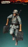 スターリングラード[ST3002]1/35ドイツ陸軍 迫撃砲弾砲弾を運ぶ兵士