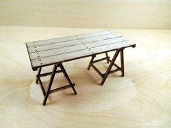 画像1: YENMODELS[LSG-A35004]1/35 木板テーブルと架台セット(木板×1 架台×2)
