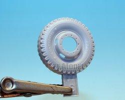 画像3: DEF.MODEL[DW30009]メルセデス・ベンツ L4500R マウルティア 自重変形タイヤ(ズベズダ用)
