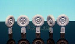 画像2: DEF.MODEL[DW30013]イギリス ウィリス SAS ジープ 自重変形タイヤ(タミヤ用)